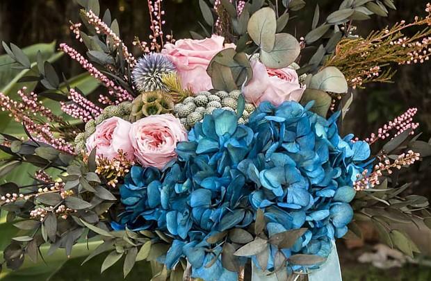 Ramo de flores naturales o preservadas?